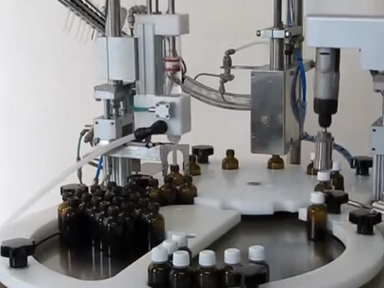 Automatic mini line for filling bottles